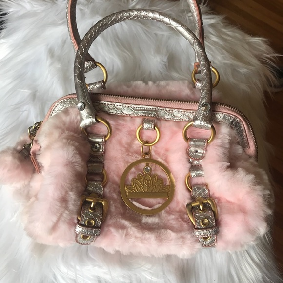 Paris Hilton faux fur pink purse. M 5ac3f53205f430c10b158193 56fd11bb69e56